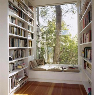 assises-avec-vue-relaxe-bibliotheque-maison
